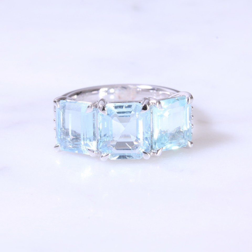 Large Square Aquamarine & diamond 3 stone ring