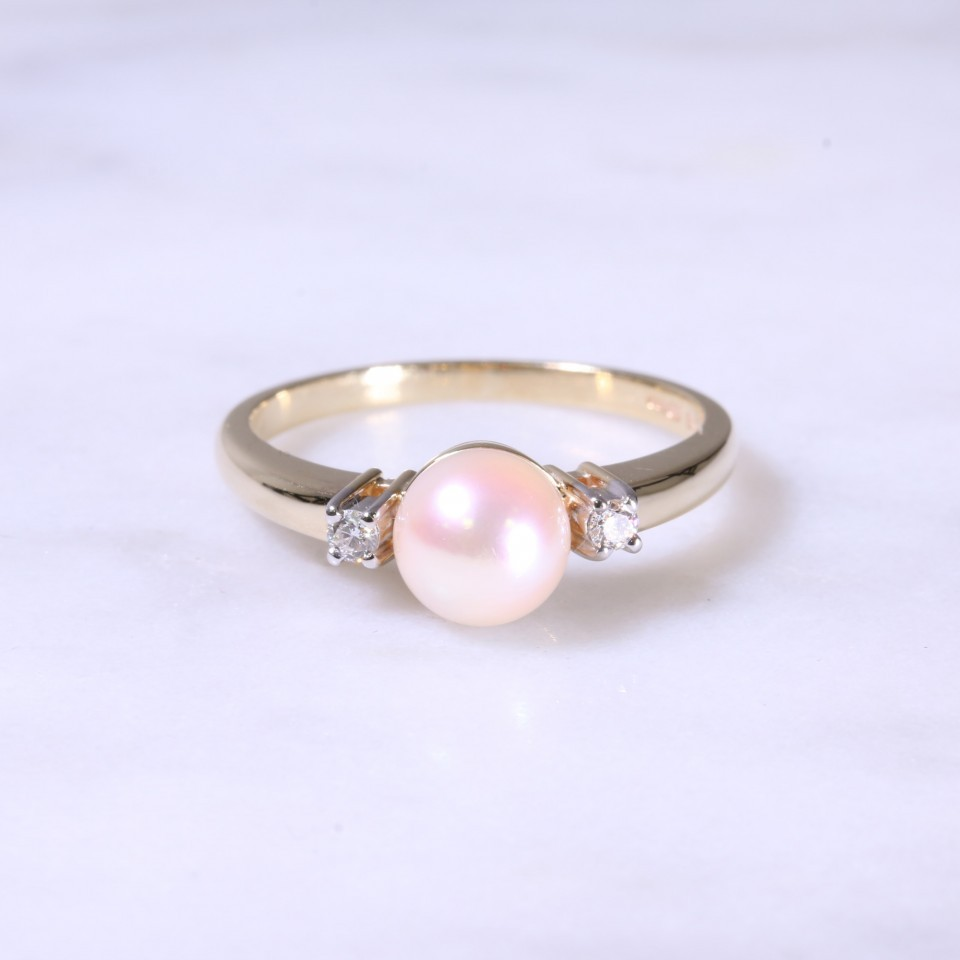 Cultured Pearl & Diamond 3 Stone Ring