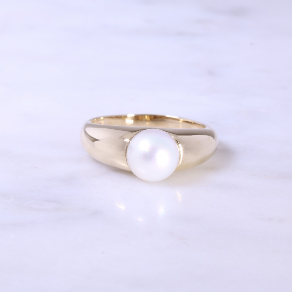 Single Cultured Pearl Wide Ring
