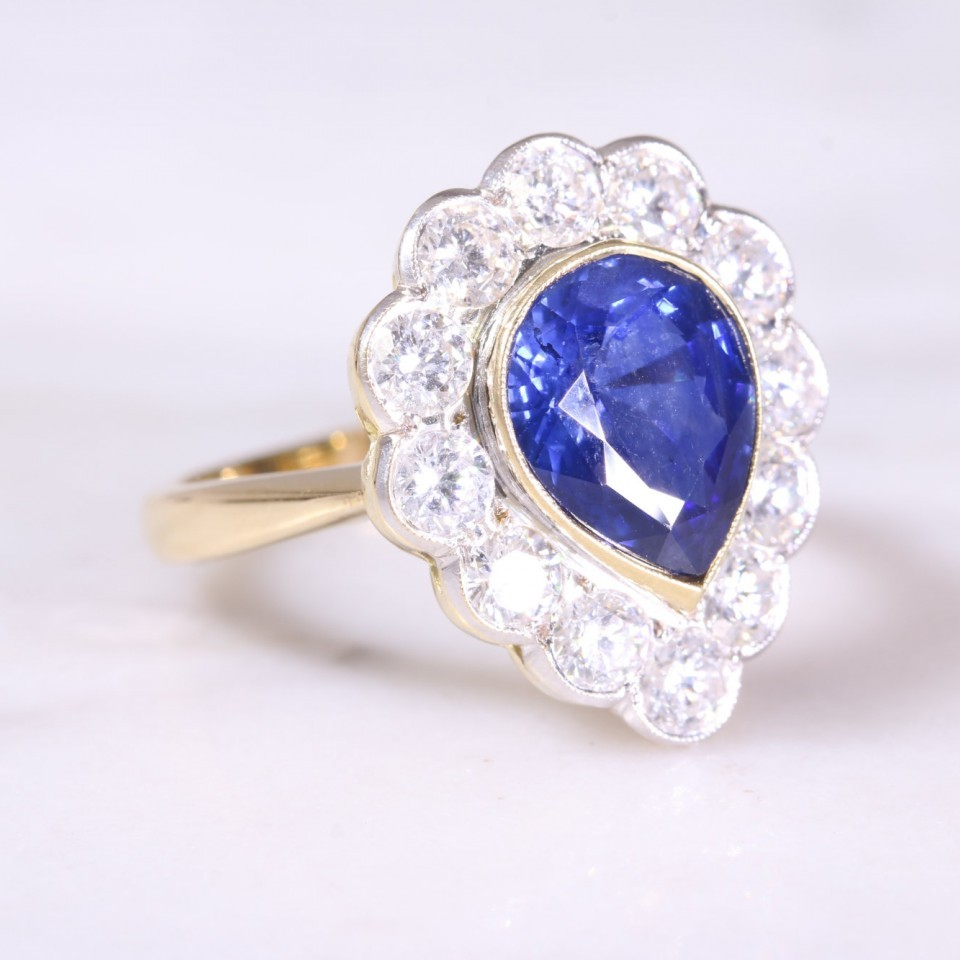 Secondhand Sapphire & Diamond Cluster Ring