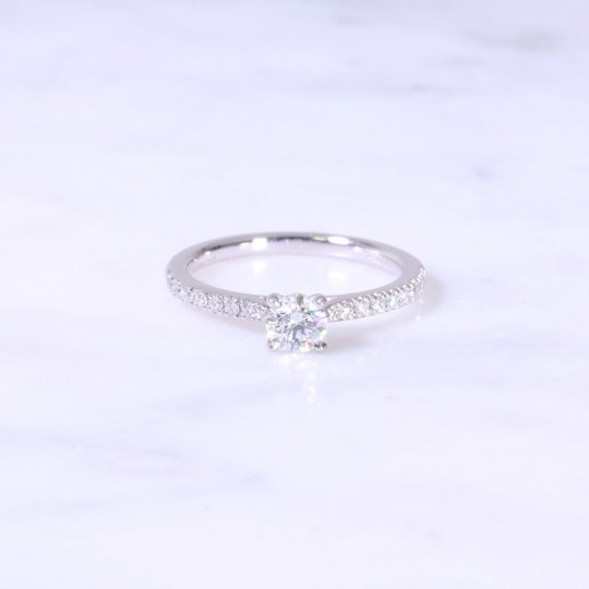 Round Brilliant Solitaire Engagement Ring Diamond Shoulders