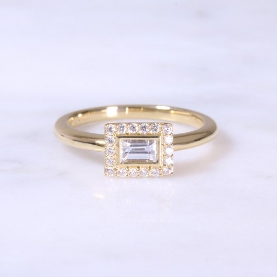 Horizonal Baguette Cut Diamond Halo Ring