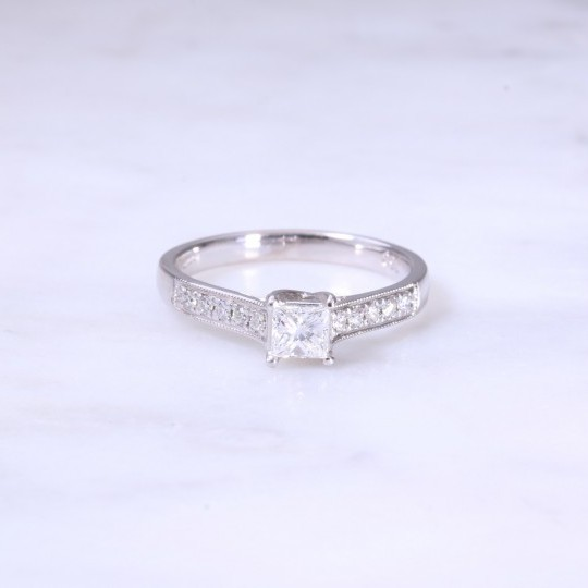 Princess Cut Diamond 4 Claw Solitaire Engagment Ring