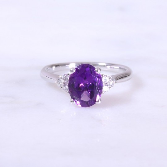 Oval Amethyst & Trefoil Diamond Ring