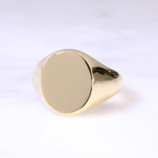 18ct Oval Signet Ring X-Large
