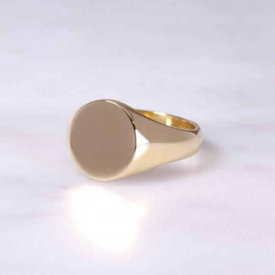 Ladies 18ct Oval Signet Ring Medium