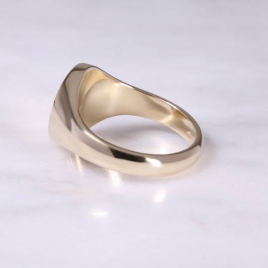 9ct Yellow Gold Oval Signet Ring Medium