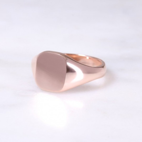Ladies 9ct Cushion Signet Ring Small