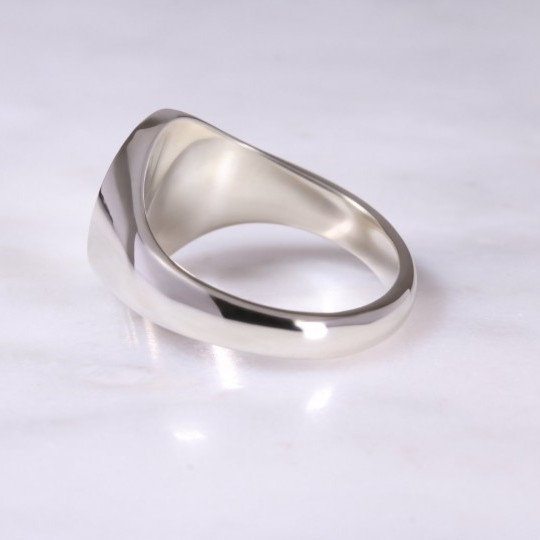 9ct White Gold Oval Signet Ring Large