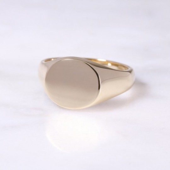 9ct Horizontal Oval Signet Ring