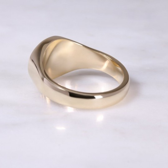 9ct yellow Gold Horizontal Oval Signet Ring