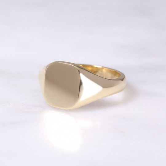 Ladies 18ct Cushion Signet Ring Small