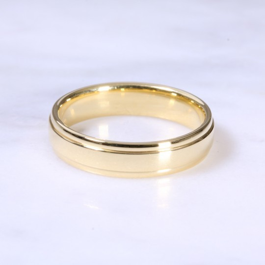 18ct 5mm Ridge & Channel Wedding Band