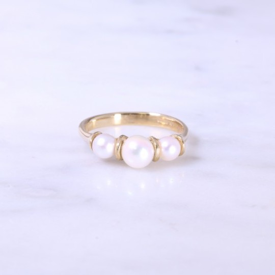 Cultured pearl 3 stone bar set ring