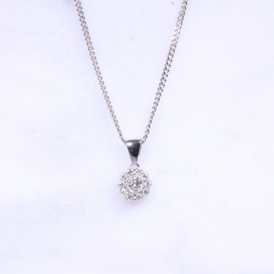 Milgrain Flower Diamond Cluster Pendant 0.17ct