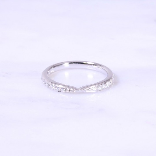 Graduated Centre Design Eternity Ring 2.5mm
