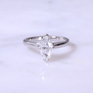 Secondhand Marquise diamond solitaire engagament ring