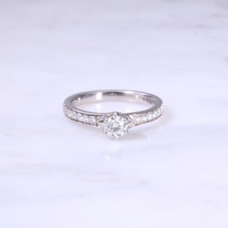 Round Brilliant Diamond 6 Claw Engagement Ring