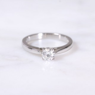 Round Brilliant Diamond 4 Claw Solitaire Engagement Ring