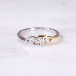 Mixed Gold Cross-Over Diamond Ring