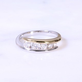 Cross-Over 5 Stone Diamond Ring