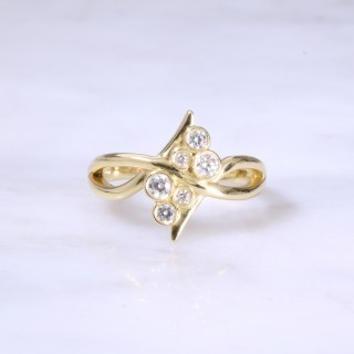 Fancy Round Diamond Set Cross-Over Ring