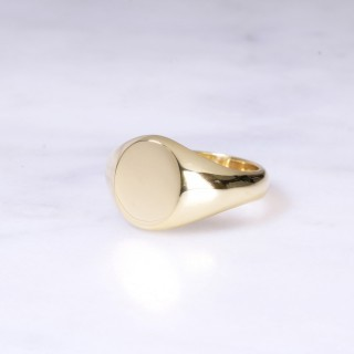 Ladies 18ct Oval Signet Ring Small