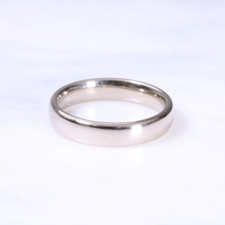 18ct 4mm Court Wedding Ring
