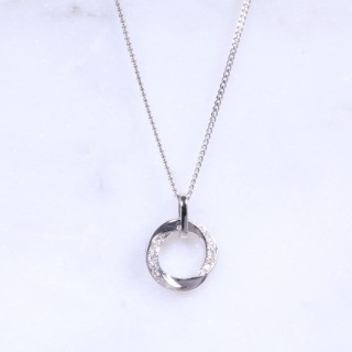 Diamond twist eternity pendant
