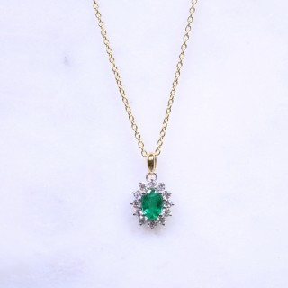 Oval Emerald & Diamonds Classic Cluster Necklace
